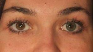 grønne farvede linser måske det bedste valg af farvede linser til mørke øjne - PS3GN grøn kontaktlinse i brunt øje